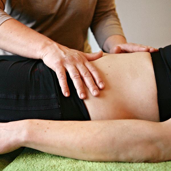 Manuela_Helfrich_Osteopathie_Behandlung